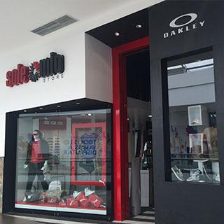 7b973851b0f47 Solemio StoreSolemio Store es una tienda esclusiva de Gafas de Sol y  accesorios de vestir.